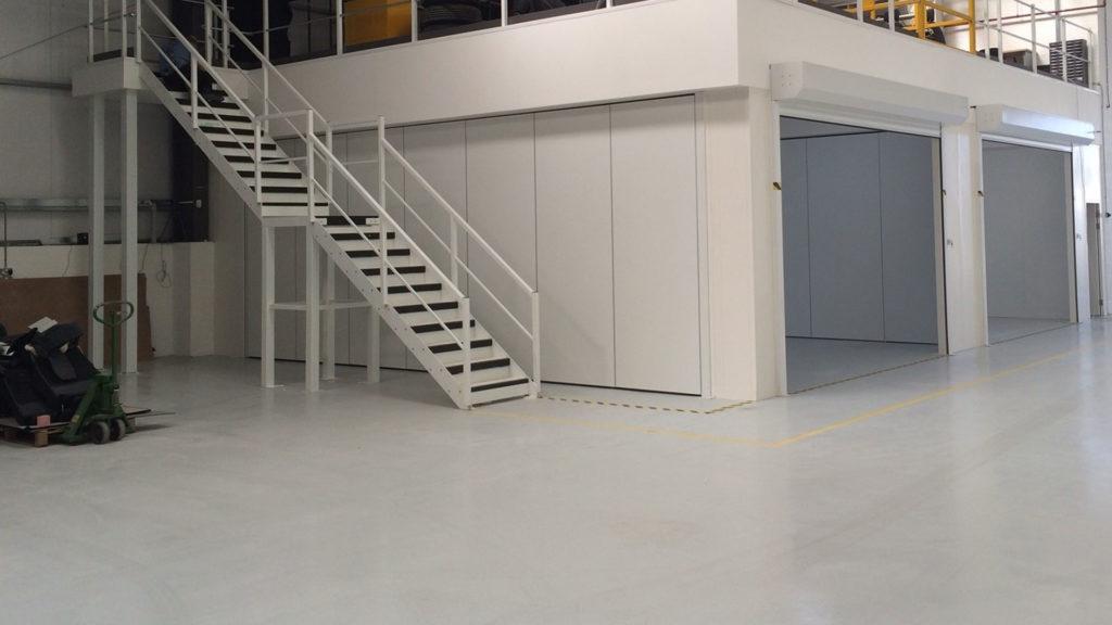 В нежилом здании антресоль существенно увеличивает полезную площадь