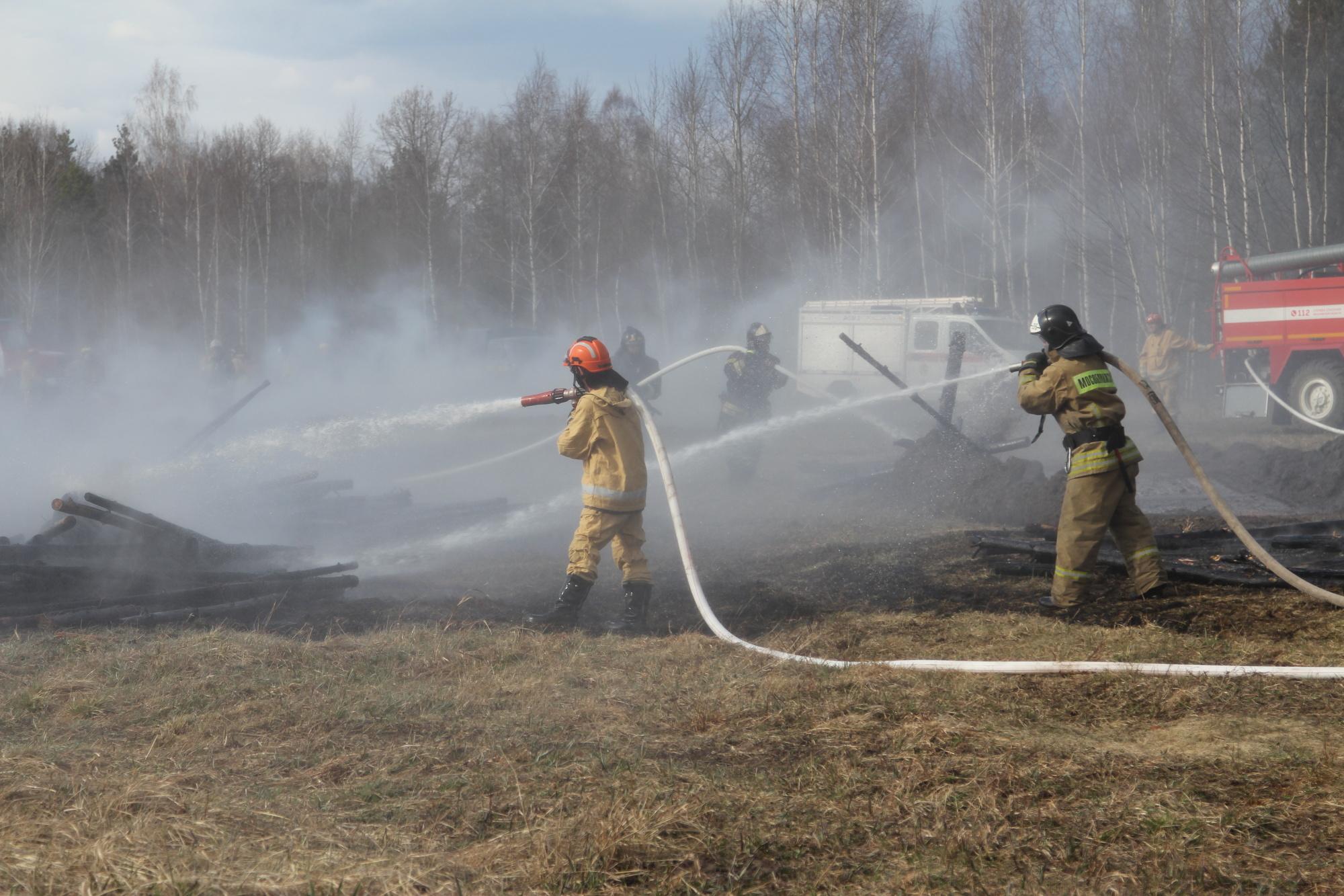По схемам в плане тушения определяется расстановка дежурных расчетов и техники при пожаре.
