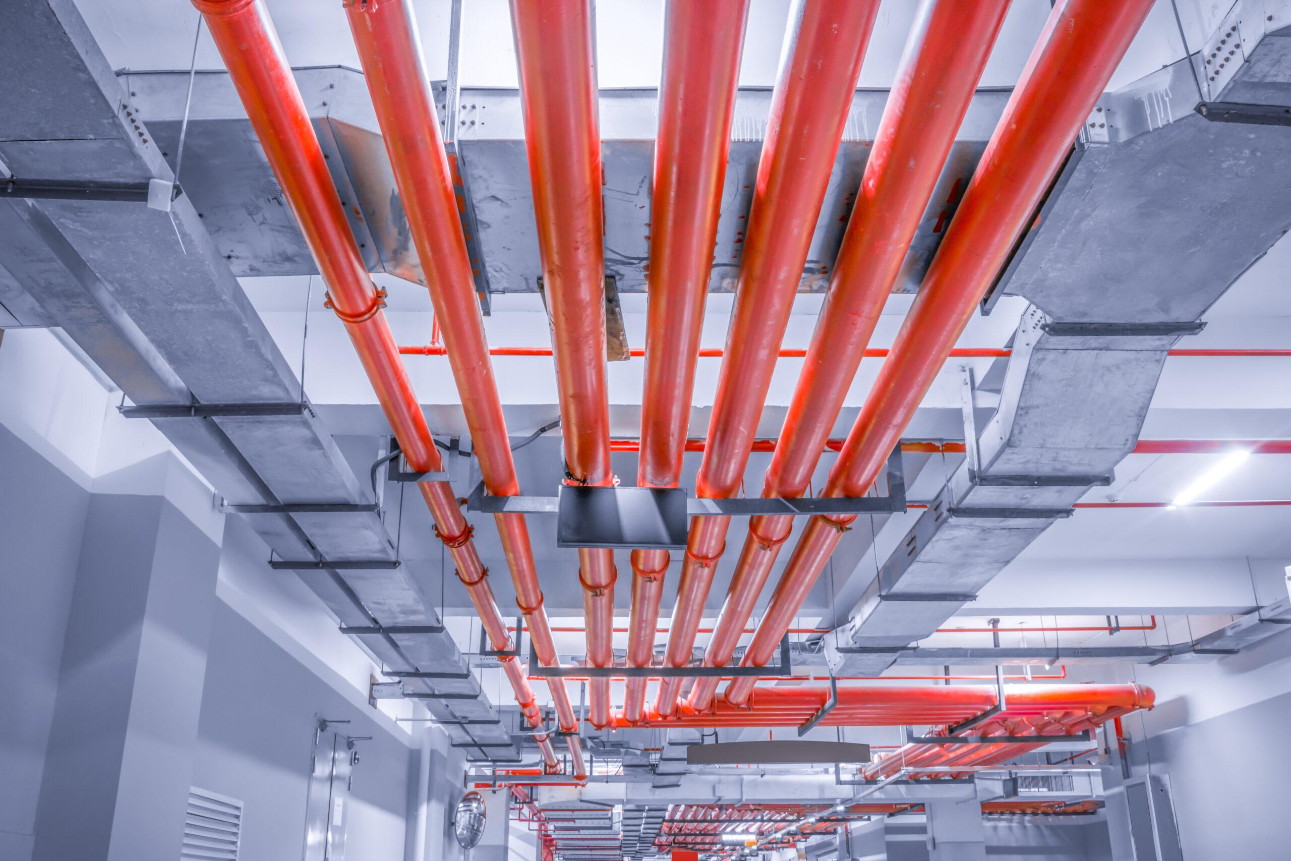 Система пожаротушения может быть совмещена с внутренним пожарным водопроводом.