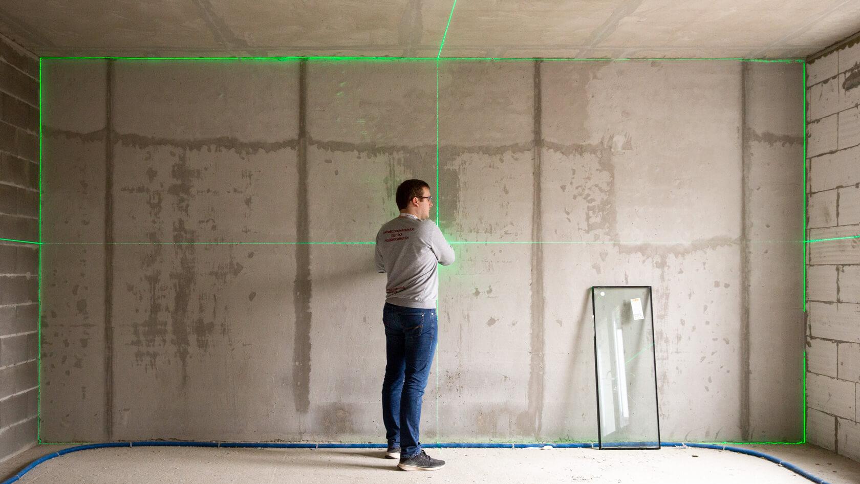Для изготовления техплана кадастровый инженер проводит цикл обследований, замеров в помещении.